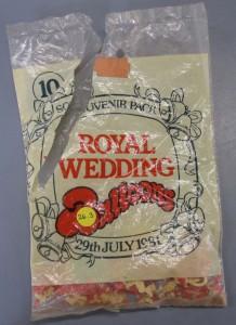 Pose med balloner fra Prinsesse Diana og Prins Charles bryllup