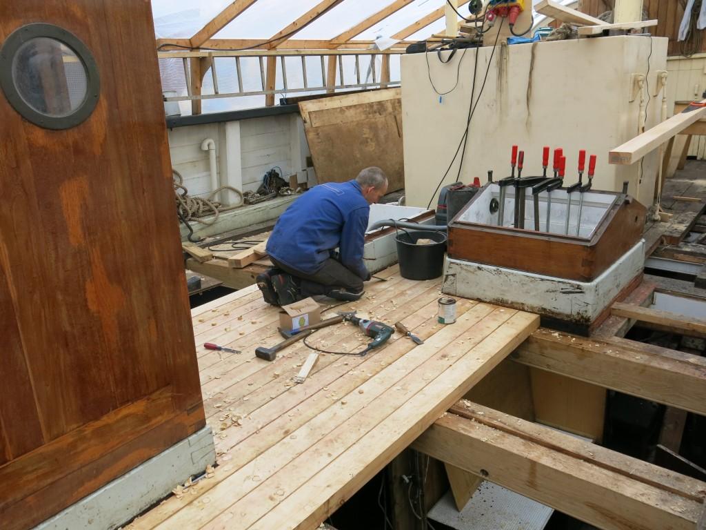 Skibstømrene og det nye dæk af nordsvensk skovfyr
