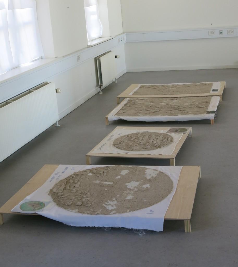 Malerier nedtaget og klar til transport