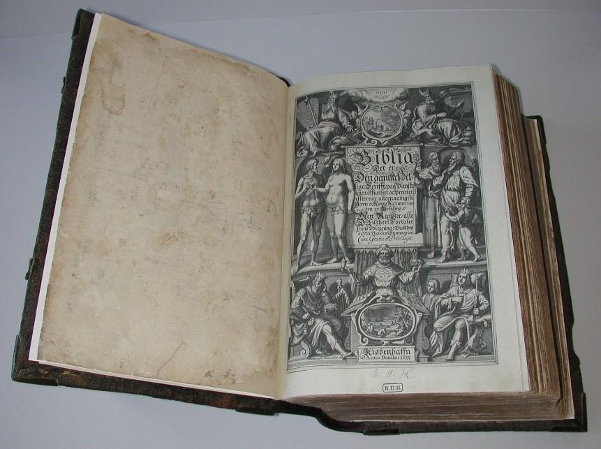 Christian IV bibel efter konservering med genskabt titelblad.