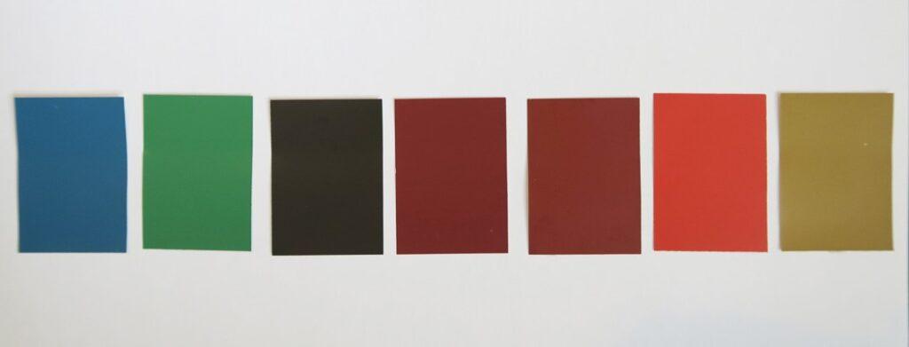 Farvepaletten, der er anvendt til Lindholms træværk; berlinerblå, spanskgrøn, brændt umbra, jernoxydrød (2 nuancer), cinnoberrød samt okker. Alle gængse anvendte pigmenter i barokken