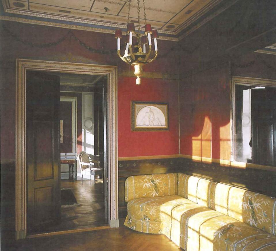 Gjorslev. Nationalmuseets konservatorer har restaureret den pompejansk, udsmykkede havestue. Her er der tale om et limfarvedekoreret loft samt oliemalede vægdekorationer og bemalet træværk. Foto: Nationalmuseet, Roberto Fortuna